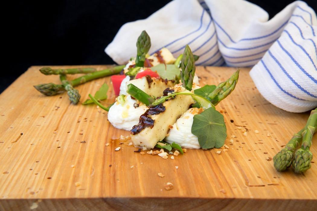 parim-soogikoht-parnus-kohvik-restoran-hea-maa-Kitsejuustud-rabarber-metspähkel-7
