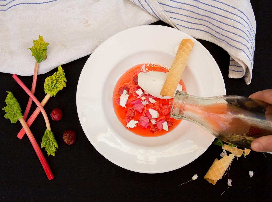 parim-soogikoht-parnus-kohvik-restoran-hea-maa-Rabarberisupp-ingverijäätis-vahvel-10