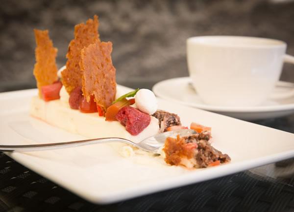 parimad söögikohad pärnuskohvik restoran hea maa menüü toorjuustukook