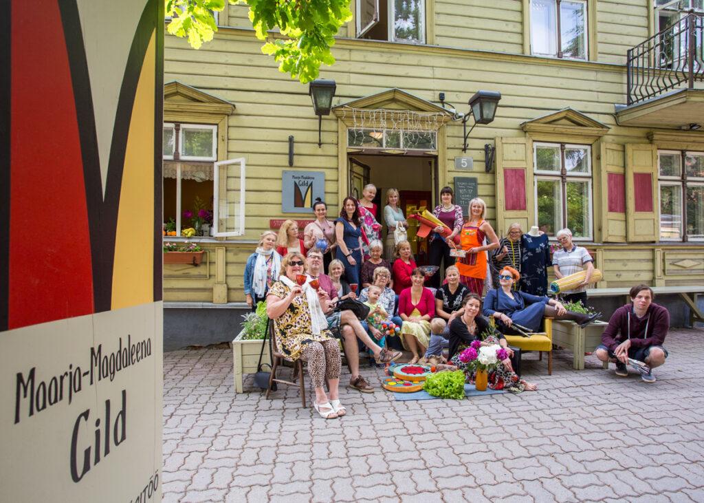 Maarja-Magdaleena Gildi tegemised Pärnus. 10 aastat Uuel tänaval 1