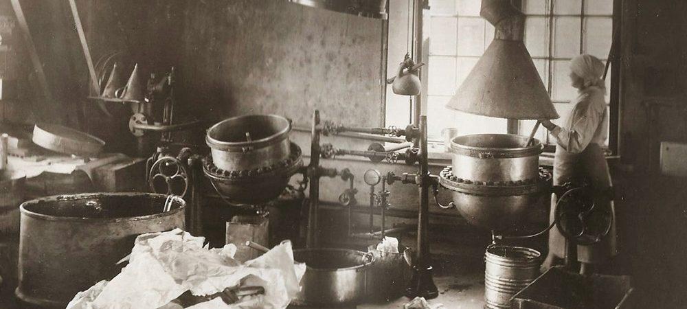 kakaomassi-valmistamine-klaussoni-vabrikus-1920ndatel-02